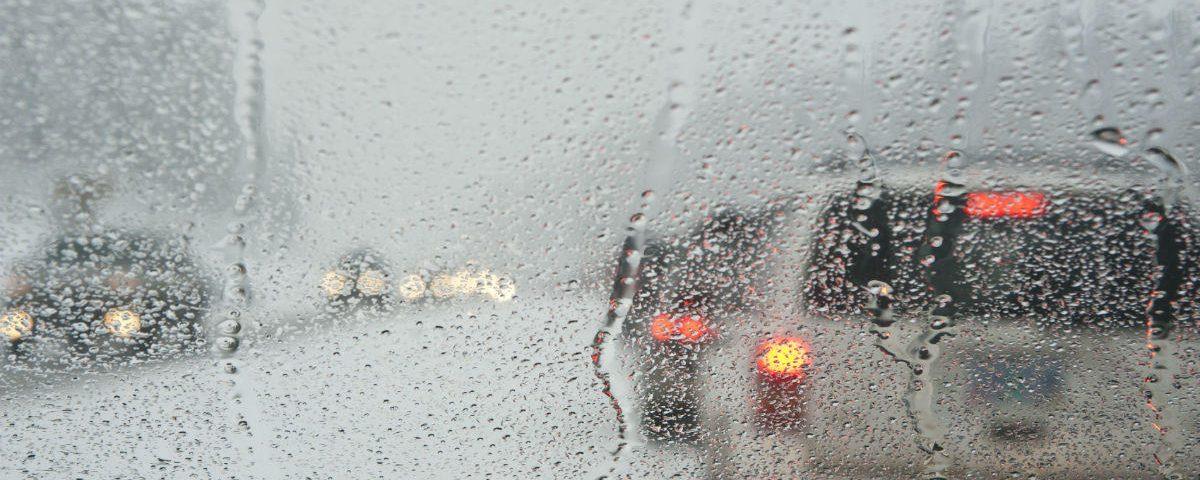 besthol zaparowane szyby wilgoć w samochodzie