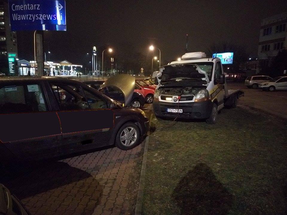 Awaryjne odpalanie auta - Szybka Pomoc Drogowa Warszawa 1