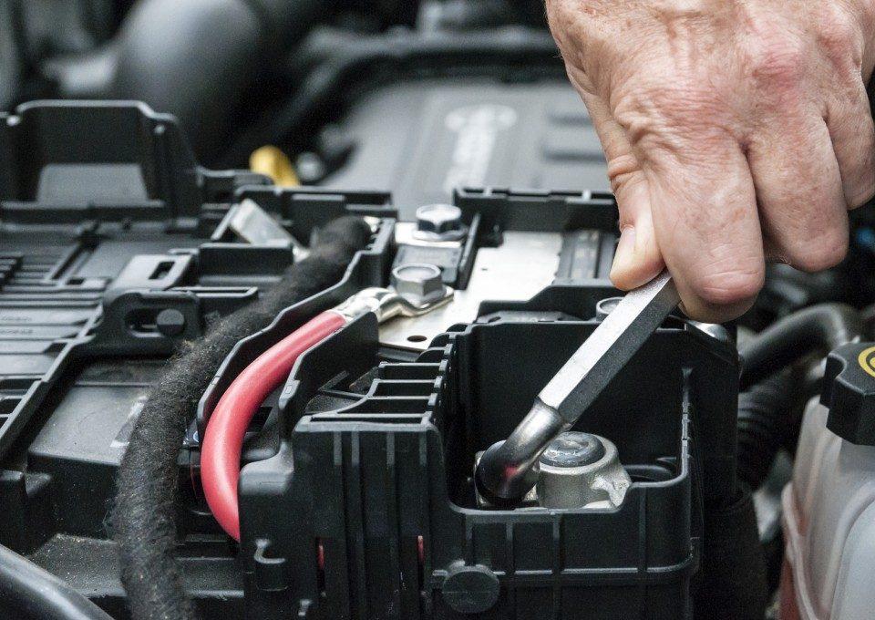 Besthol elektryka samochodowa Warszawa wymiana akumulatora, całodobowa mechanika samochodowa i elektryka samochodowa z dojazdem do Klienta. Tel. 697598149
