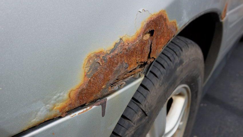 korozja samochodu