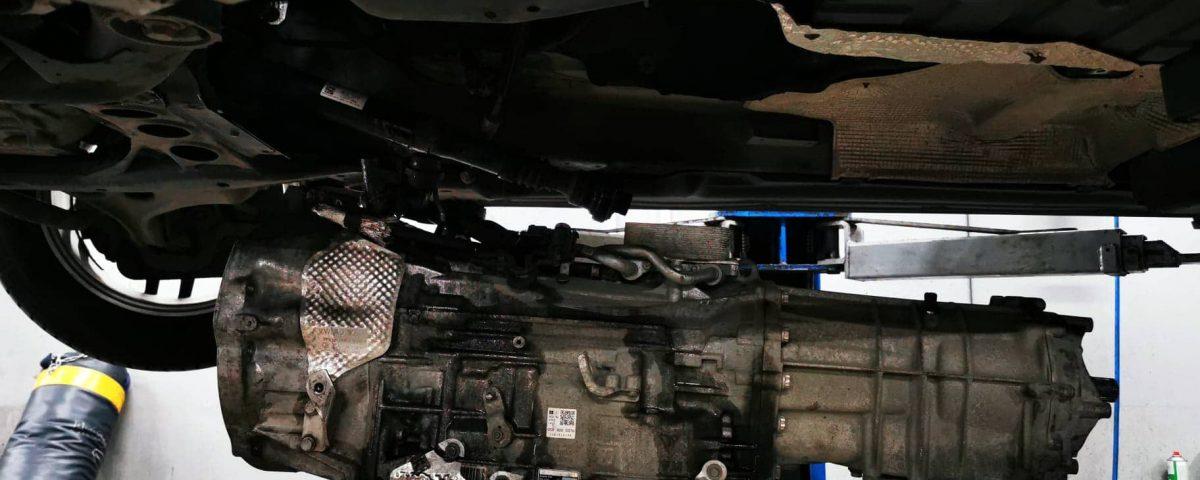 wymiana skrzyni biegów na warsztacie samochodowym besthol